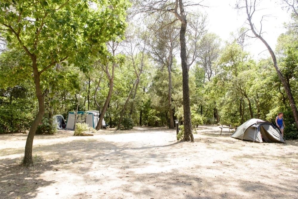emplacement camping gard